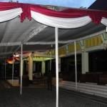 Tenda yang dipasang di halaman Pendapa Pemkab Klaten untuk acara pelantikan pejabat Pemkab Klaten belum dibongkar meski pelantikan ditunda hingga waktu yang belum bisa dipastikan. Foto diambil Senin (2/1/2017). (Taufiq Sidik Prakoso/JIBI/Solopos)