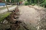"""LONGSOR BANTUL : Tanah Amblas di Srimartani, 2 Rumah """"Terancam """""""
