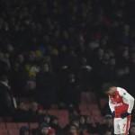 KARIER PEMAIN : Mustafi: Bertahanlah di Arsenal, Sanchez!
