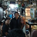 SBY & AHY Muncul di Pasar Triwindu Solo, Warga Berebut Selfie