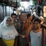 Dapat Diskon, Ini yang Dibeli SBY & Ani Yudhoyono di Pasar Triwindu Solo