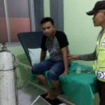 Agung Santoso, warga Grobogan, dirawat di puskesmas di Demak setelah tertimpa pohon tumbang. (Okezone.com-MNC Media-Taufik Budi)