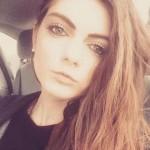Emma Hules yang dipecat karena dianggap terlalu cantik (standard.co.uk)