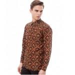 TIPS FASHION : Model Kemeja Batik Ini Bikin Pria Makin Ganteng