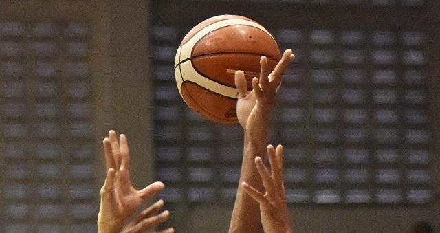Ilustrasi laga bola basket. (JIBI/Solopos/Antara/R. Rekotomo)