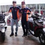 Marc Marquez dan Dani Pedrosa Kejutkan Pengunjung Diler Honda Jakarta