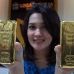 Harga Emas Batangan Antam Hari Ini Turun 6.054 Poin