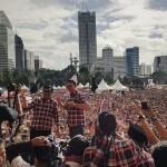 Ahok-Djarot saat Konser Gue 2, di Ex Driving Senayan, Jakarta, Sabtu (4/2/2017) sore. (Twitter/@iwetramadhan)