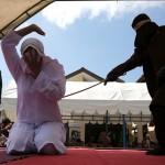 Dihukum Cambuk, 2 Pelanggar Syariat Islam di Aceh Pingsan