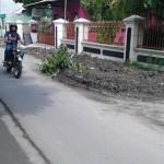 INFRASTRUKTUR SOLO : Warga Sambat Eks Galian Pipa Limbah di Jl. Tulang Bawang Makan Korban