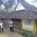 KISAH INSPIRATIF : Pasutri Boyolali Ini Jadi Guru Anak-Anak Kampung Tanpa Bayaran