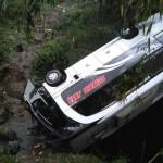 BERITA TERPOPULER : Minibus Terjun Jurang Tawangmangu hingga Bayi Usus Terburai Meninggal