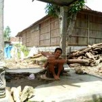 KISAH TRAGIS : Sering Mengamuk, Penderita Gangguan Jiwa Asal Tanon Dirantai