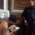 Pelajar pemalak berhalusinasi saat diinterogasi polisi di Mapolrestabes Semarang. (Facebook.com-Purnomo Budi Setiyawan)