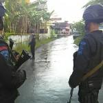 Penggeledahan dua rumah di Dukuh Kunden, Desa Banyudono, Kecamatan Banyudono, Boyolali, Jumat (3/2/2017). (Aries Susanto/JIBI/Solopos)
