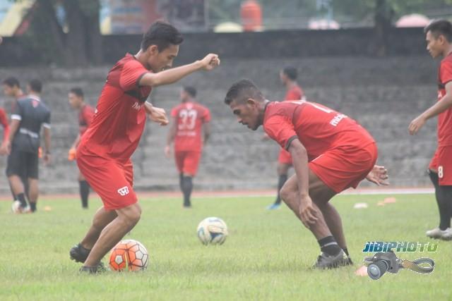 Para pemain Persijap Jepara melakukan latihan perdana dalam pemusatan latihan (TC) di Solo. (Ahmad Wakid/JIBI/Solopos)