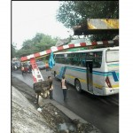 KECELAKAAN SOLO : Kesasar, Truk asal Cirebon Tabrak Portal Viaduk Gilingan