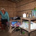 Pria Usia 110 Tahun Hidup Sendirian di Gubuk Pinggir Sawah Sragen