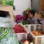 HARGA KEBUTUHAN POKOK : Sayuran Fluktuatif, Daging Ayam Capai Rp30.000