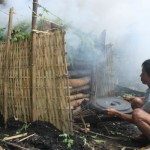 UMKM KULONPROGO : Sedoyong Setia Produksi Arang untuk Asap Dapur Rumah