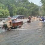 CUACA EKSTREM : Ring-road Utara Dikepung Air