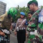 RAZIA WONOGIRI : Pakai Motor Tak Berspion, Polisi dan TNI Dapat Peringatan