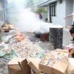 PENGAWASAN CUKAI KLATEN : Ratusan Ribu Batang Rokok Ilegal Hasil Sitaan Dimusnahkan