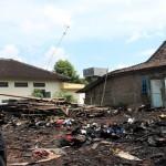 KEBAKARAN SRAGEN : Rumah Gakin Terbakar, UPTPK Beri Bantuan Rp5 Juta
