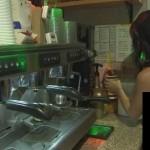 Weleh-Weleh, Pelayan di Warung Kopi Ini Pakai G-String Saat Sajikan Minuman