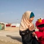 KISAH UNIK : Sesame Street Beri Pendidikan Gratis untuk Anak Korban Perang Suriah