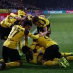 Para pemain Borussia Dortmund merayakan gol. (JIBI/Reuters/Wolfgang Rattay)