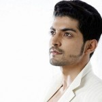 "BOLLYWOOD : Baik Hati, Pemeran Maan ""Gurmeet Choudhary"" Adopsi 2 Anak"