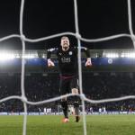 LIGA CHAMPIONS : Schmeichel Mendadak Ahli Tahan Penalti