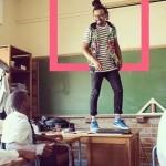 Kurt Minaar saat mengajar (Odditycentral.com)