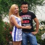 Pria Henan berhasil menikahi bule cantik Ukraina. (Istimewa/Nextshark.com)