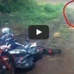 Bikers Kaget Rekam Penampakan Sosok Telanjang di Hutan Aceh