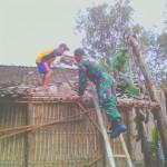 BENCANA SUKOHARJO : Angin Menerjang, Pohon Tumbang Timpa Satu Rumah di Tangkisan