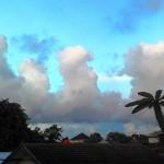 Awan berbentuk unik dipotret dari Jl. Sri Rejeki, Kalibanteng, Semarang Barat, Kota Semarang, Jateng, Kamis (16/3/2017) sore. (Facebook.com-Wowok Parabola)