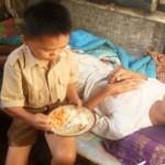 KISAH INSPIRATIF : Baru Kelas IV, Kendar Harus Rawat Ayahnya yang Lumpuh