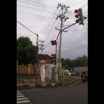 LALU LINTAS SALATIGA : Bangjo Nyala Bersamaan Bikin Bingung Pengguna Jalan