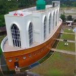Masjid As Safinatun Najah yang memiliki bentuk menyerupai kapal di Jl. Kyai Padak, Podorejo, Kecamatan Ngaliyan, Kota Semarang, Jateng. (Facebook.com-Tunggul Aryo)