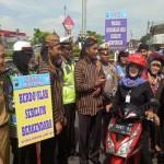 SIMPATIK CANDI 2017 : Berdandan Ala Sunan Kalijaga, Polisi Suruh Pelanggar Lalin Baca Fatihah