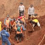 LONGSOR PONOROGO : Bupati Ponorogo Akui Sulit Cari Semua Jasad Korban Longsor Banaran