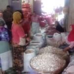 KOMODITAS PANGAN : Harga Bawang Putih di Pasar Solo Terus Naik