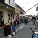 Antisipasi Teror, Penjaga Pintu Mapolresta Solo Dilengkapi Rompi Antipeluru