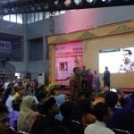 Ibu Negara Dirayu Siswa SMK, Presiden Jokowi Diminta Tak Cemburu