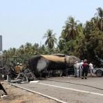 Bus dan Truk Pengangkut BBM Tabrakan, 24 Orang Tewas