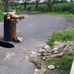 INFRASTRUKTUR KLATEN : Gorong-Gorong Berlubang, Drum Dipasang di Tengah Jalan