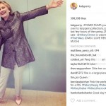 Hillary Clinton memakai sepatu produksi Katy Perry (Instagram @katyperry)