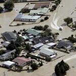 Dihantam Topan Debbie, Ribuan Warga Selandia Baru Dievakuasi Pakai Traktor